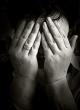 Silovanu se ženu viktimizira i u miru