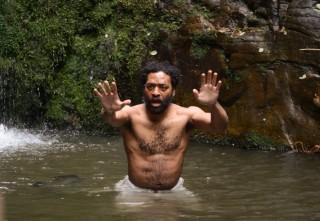 """""""Z kao Zachariah"""" nije film u kojem će metafore biti tako jednostavne. Odnos prema muškarcu, kad se napokon pojavi, bit će varljiv poput voda koje protječu dolinom, gdje samo iskustvo uči koje su pitke, a koje smrtonosne"""