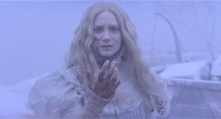 """""""Duhovi su stvarni"""", kaže Mia Wasikowska kao Edith Cushing na samom početku """"Crimson Peaka"""", dosad najboljeg filma Guillerma del Tora na engleskom jeziku – koji upravo zbog te teze neće dobiti hvalospjeve kakve su u prošle dvije godine doživjeli njegovi amigosi Cuarón i Gonzáles-Iñárritu"""