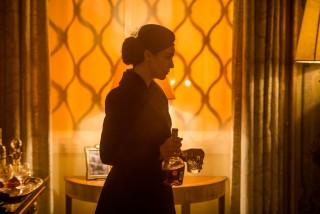 """U isti mah ozbiljan poput dosadašnja četiri Craigova Bonda, """"Spectre"""" je i neočekivano duhovit film. Za razliku od autoironičnog parodiranja u koje je slijed prvih dvadeset filmova prečesto zalazio, humor u 24. Bondu izvrsno je odmjeren"""