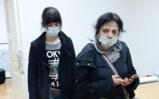Lorena i Jasminka Jovanović u privremenom smještaju (foto Goran Borković)