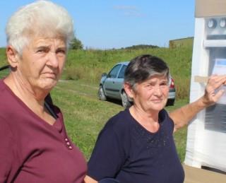 Danica Popara i Mira Mađarac preuzimaju donaciju