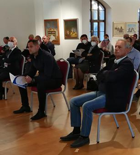 Sudionici rasprave u Vukovaru